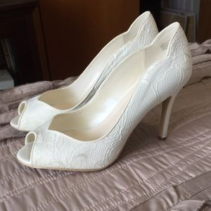 NWT David's Bridal Shoes Size 7.5